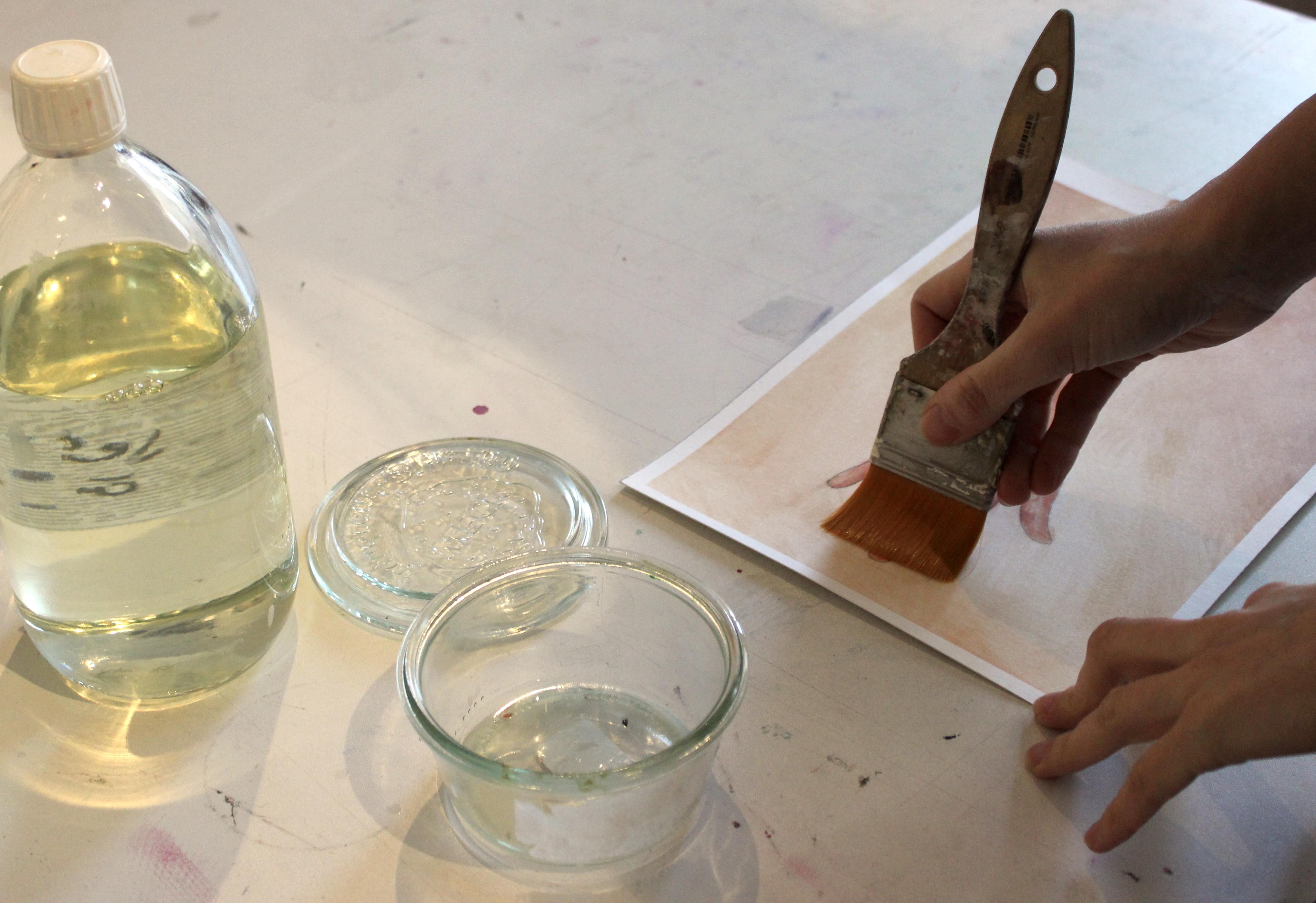 Peinture A Paillette Pour Meuble les vernis : quel vernis choisir et comment l'appliquer